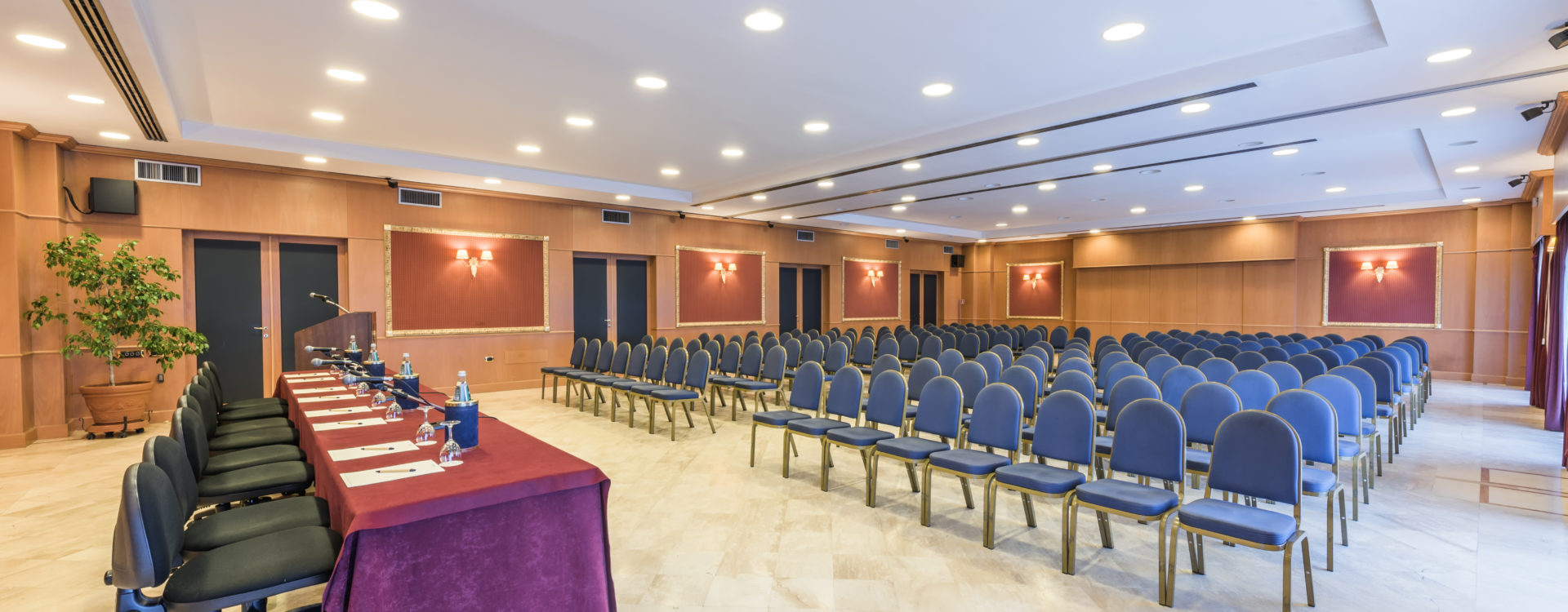 meeting-e-convegni-a-cagliari-il-nostro-centro-congressi/